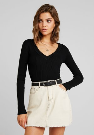 PLUNGE V NECK BODY - Strickpullover - black
