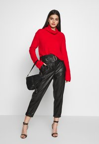 Missguided - ROLL NECK CROP JUMPER - Pullover - red - 1