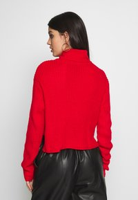 Missguided - ROLL NECK CROP JUMPER - Pullover - red - 2