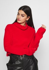 Missguided - ROLL NECK CROP JUMPER - Pullover - red - 0