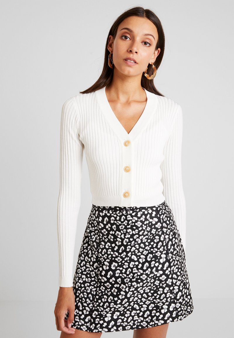 Missguided - SKINNY BUTTON CROPPED CARDIGAN - Vest - cream