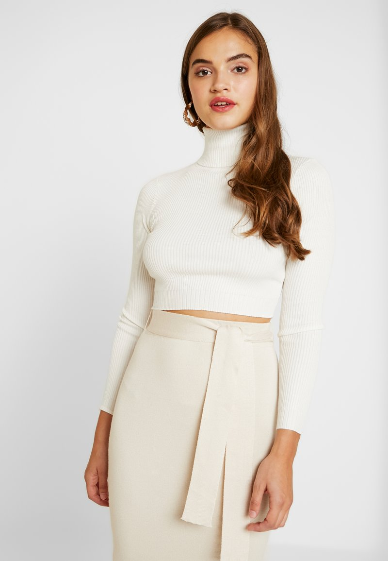 Missguided - ROLL NECK DETAIL CROP  - Strickpullover - white