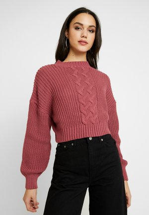 CROPPED CABLE JUMPER - Maglione - raspberry