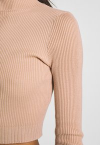 Missguided - BASIC HIGH NECK DETAIL KNITTED CROP - Strickpullover - sand - 4
