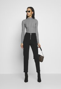 Missguided - EXTREME CREW NECK BODYSUIT - Stickad tröja - grey