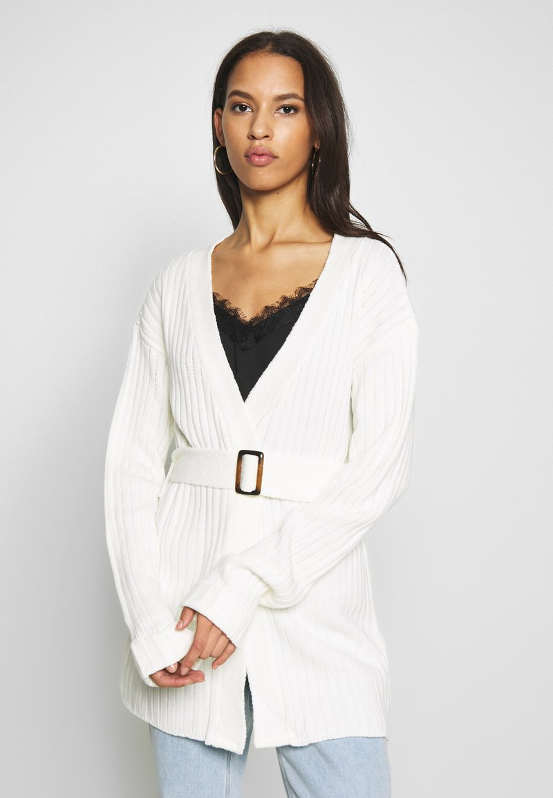 Missguided - EXTREME RIB BELTED CARDIGAN - Kardigan - cream