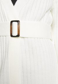 Missguided - EXTREME RIB BELTED CARDIGAN - Kardigan - cream - 5