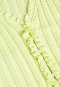 Missguided - RIBBED FRILL KNITTED TOP - Print T-shirt - green - 2