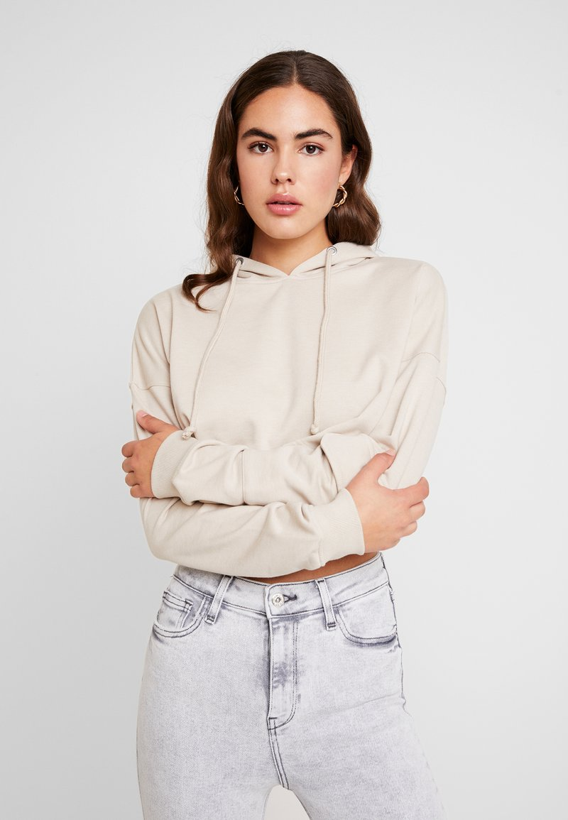 Missguided - CROPPED DROPPED SHOULDER HOODIE - Kapuzenpullover - nude
