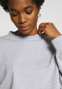 Missguided - CROPPED RAW HEM - Sweatshirt - grey - 4