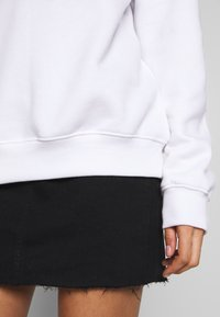 Missguided - BASIC OVERSIZED SWEAT - Sweatshirt - white - 3