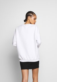 Missguided - BASIC OVERSIZED SWEAT - Sweatshirt - white - 2