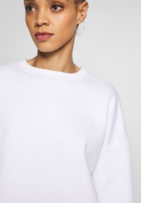 Missguided - BASIC OVERSIZED SWEAT - Sweatshirt - white - 6