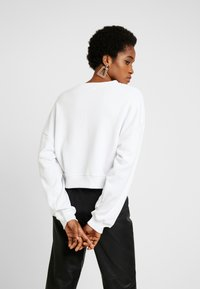 Missguided - FRONT SWEAT - Sudadera - white - 2
