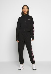 Missguided - JOGGER AND JACKET SET - Zip-up hoodie - black - 0