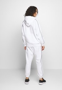 Missguided - SET JOGGER AND SWEAT - Sweat à capuche - white - 2