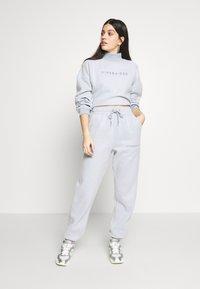 Missguided - NEW SEASON CROPPED - Sweatshirt - powder blue - 1