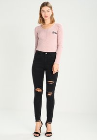 Missguided - SINNER HIGHWAISTED AUTHENTIC RIPPED  - Jeans Skinny - dark grey - 2