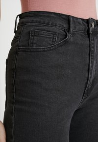 Missguided - SINNER HEM KEY SHOOT - Jeans Skinny Fit - washed black - 3