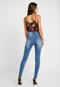 Missguided - SINNER CLEAN DISTRESSED - Jeans Skinny Fit - blue - 2