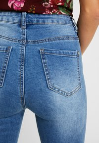 Missguided - SINNER CLEAN DISTRESSED - Jeans Skinny Fit - blue - 4