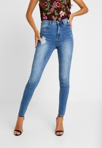 Missguided - SINNER CLEAN DISTRESSED - Skinny džíny - blue - 0