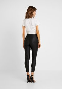 Missguided - VICE DOUBLE POPPER COATED BIKER - Jeans Skinny Fit - black - 2