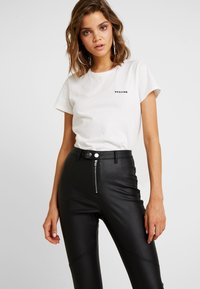Missguided - VICE DOUBLE POPPER COATED BIKER - Jeans Skinny Fit - black - 3