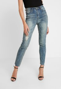 Missguided - SINNER SINGLE KNEE RIP VINTAGE - Jeans Skinny Fit - blue - 0