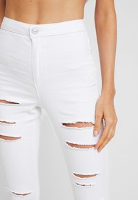 Missguided - MULTI VICE HIGH WAIST - Jeans Skinny Fit - white - 5
