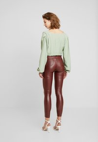 Missguided - VICE HIGHWAISTED COATED - Trousers - burgandy - 2