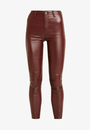 VICE HIGHWAISTED COATED - Broek - burgandy