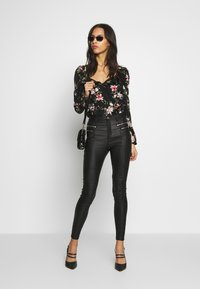 Missguided - VICEHIGHWAISTED  - Trousers - black - 1