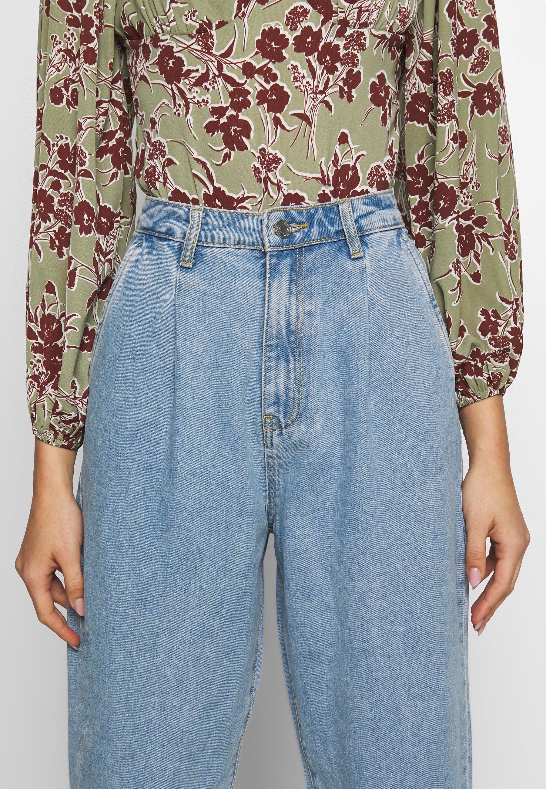 Missguided Slouch Highwaisted Pleat Detail - Jeans Relaxed Fit Lightwash