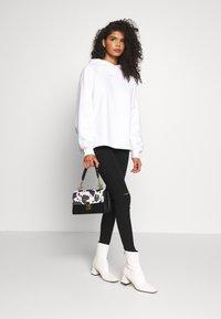Missguided - VICE SLASH KNEE - Jeans Skinny - black - 1