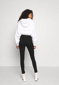 Missguided - VICE SLASH KNEE - Jeans Skinny - black - 2