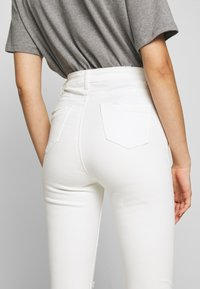 Missguided - SINNER EXTREME - Jeans Skinny - white - 4