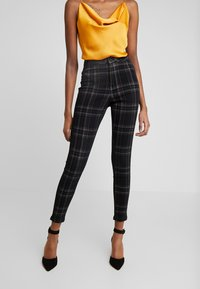 Missguided - CHECK VICE CHECKED HIGHWAISTED - Jeans Skinny Fit - black - 0
