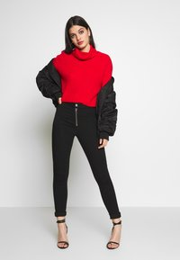Missguided - VICE EXPOSED ZIP BUTTON DETAIL - Skinny-Farkut - black - 1