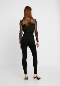 Missguided - VICE BUTTON UP - Skinny džíny - black - 2