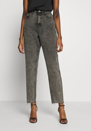 RIOT RAW MOM JEAN - Relaxed fit jeans - washed grey