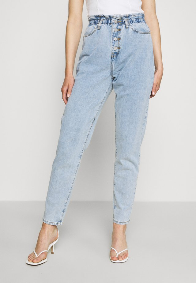 RIOT HIGHWAISTED MOM VINTAGE - Relaxed fit -farkut - blue