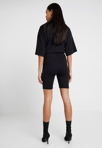 Missguided - EXCLUSIVE CYCLING 2 PACK - Kraťasy - black - 2