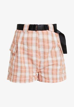 POCKET SIDE CHECKED - Shorts - peach