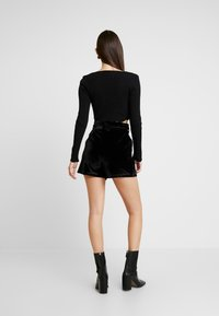 Missguided - BELTED  - Shorts - black - 2