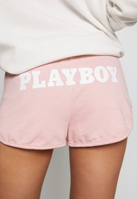 Missguided - PLAYBOY LOUNGE RUNNER  - Kraťasy - pink - 3