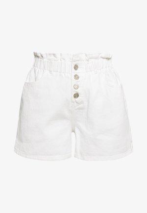 PLEAT WAIST BAND HIGHWAISTED - Jeansshorts - white
