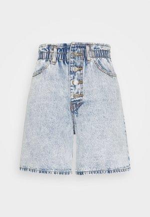 PLEAT WAIST BAND HIGHWAISTED - Jeans Short / cowboy shorts - vintage