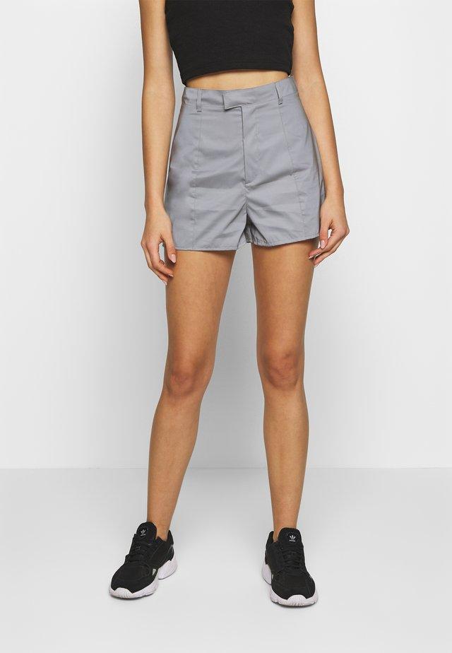 REFLECTIVE - Shorts - grey
