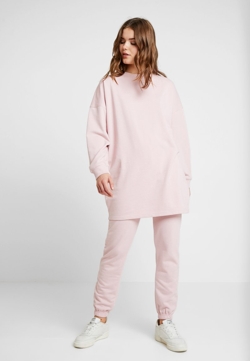 Missguided - OVERSIZED AND SLIM LEG SET - Mikina - pink